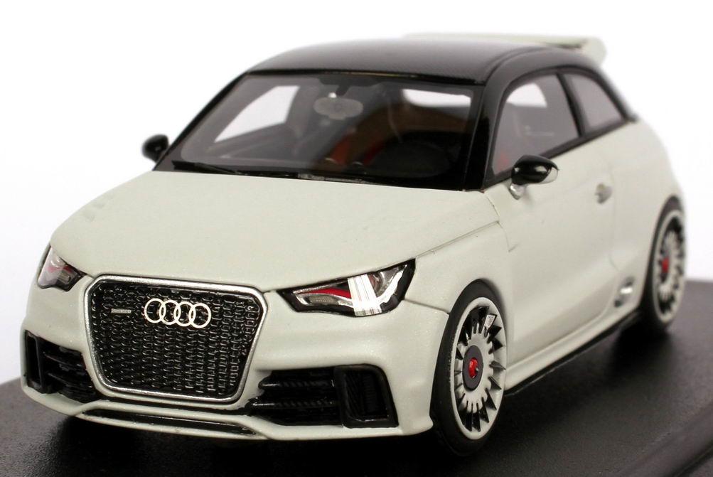 Foto 1:43 Audi RS1 gletscher-weiß-matt / Carbon Looksmart LSRS1