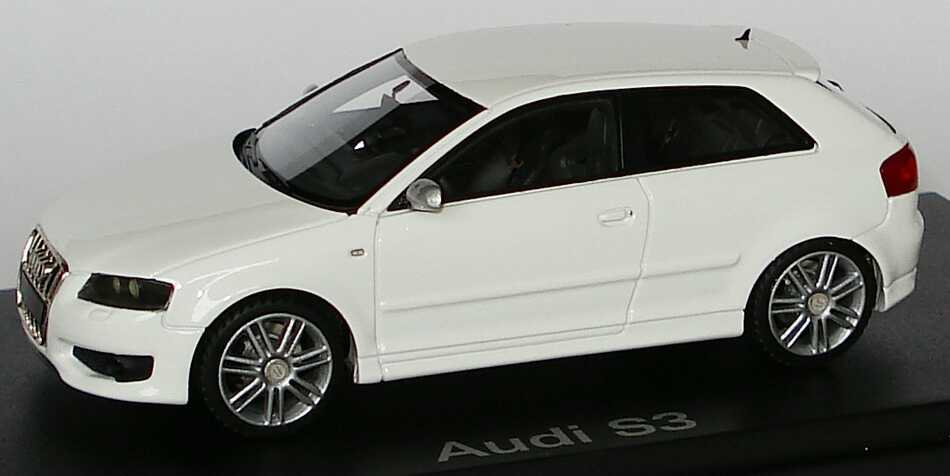 Foto 1:43 Audi S3 ibisweiß Werbemodell Looksmart 5010613013