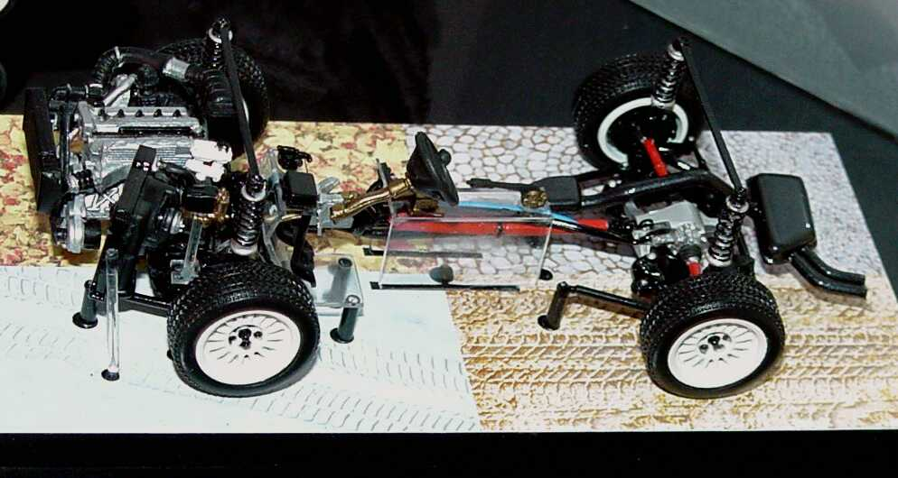 Foto 1:43 Audi Set Audi Sport quattro 1985 (Audi Sport quattro weiß + Audi Sport quattro Antriebsstrang) Werbemodell Minichamps 5030500503