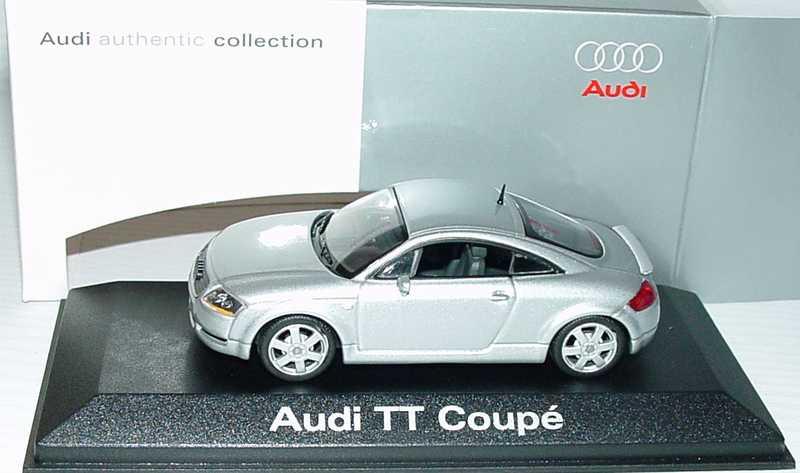 Foto 1:43 Audi TT Coupé (8N) mit Heckspoiler lichtsilber-met. Werbemodell Minichamps 5019800423