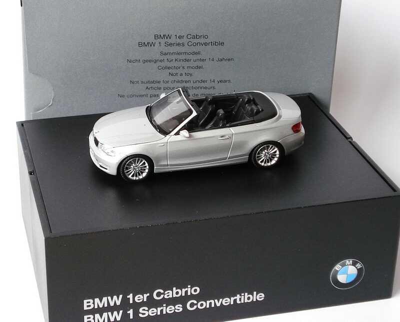 Foto 1:43 BMW 1er Cabrio (E88) titansilber-met. Werbemodell Minichamps 80420427037