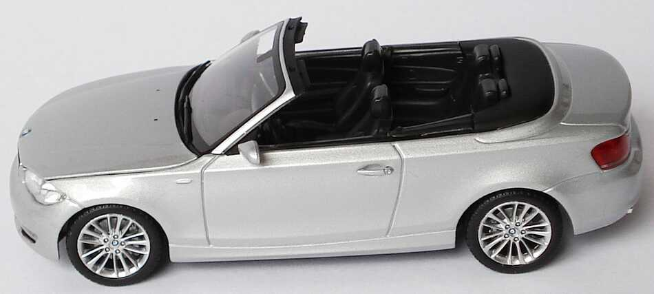 bmw 1er cabrio e88 titansilber met werbemodell. Black Bedroom Furniture Sets. Home Design Ideas