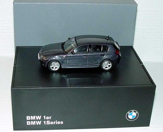Foto 1:43 BMW 1er (E87) sparkling-graphit-met. Werbemodell Kyosho 80420308607