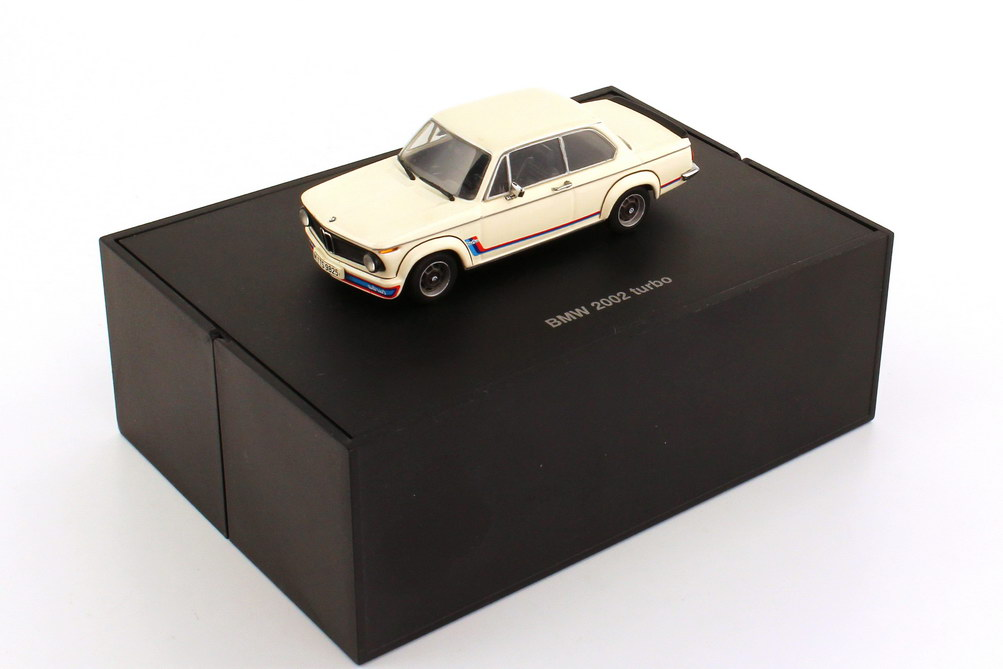 Foto 1:43 BMW 2002 turbo weiß, BMW-M-Design Werbemodell Minichamps