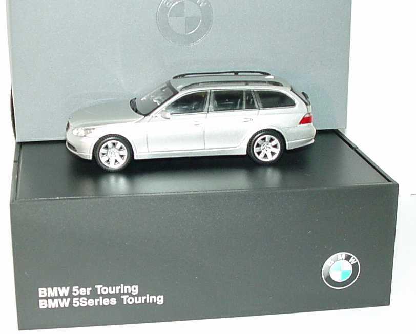 Foto 1:43 BMW 5er touring E61 titansilber-met. - Werbemodell - Kyosho 80420308418