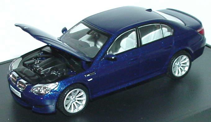 Foto 1:43 BMW M5 (E60) interlagosblue-met. Werbemodell Kyosho 80420391746