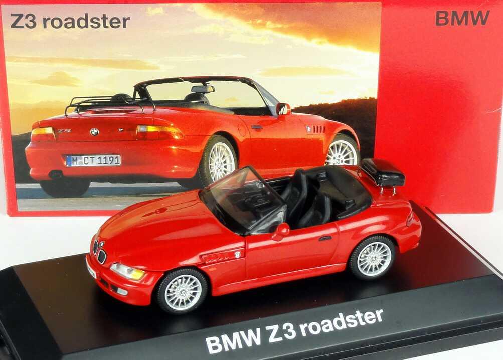 Foto 1:43 BMW Z3 roadster rot mit Träger auf Kofferraumdeckel Werbemodell Schuco 80429422112