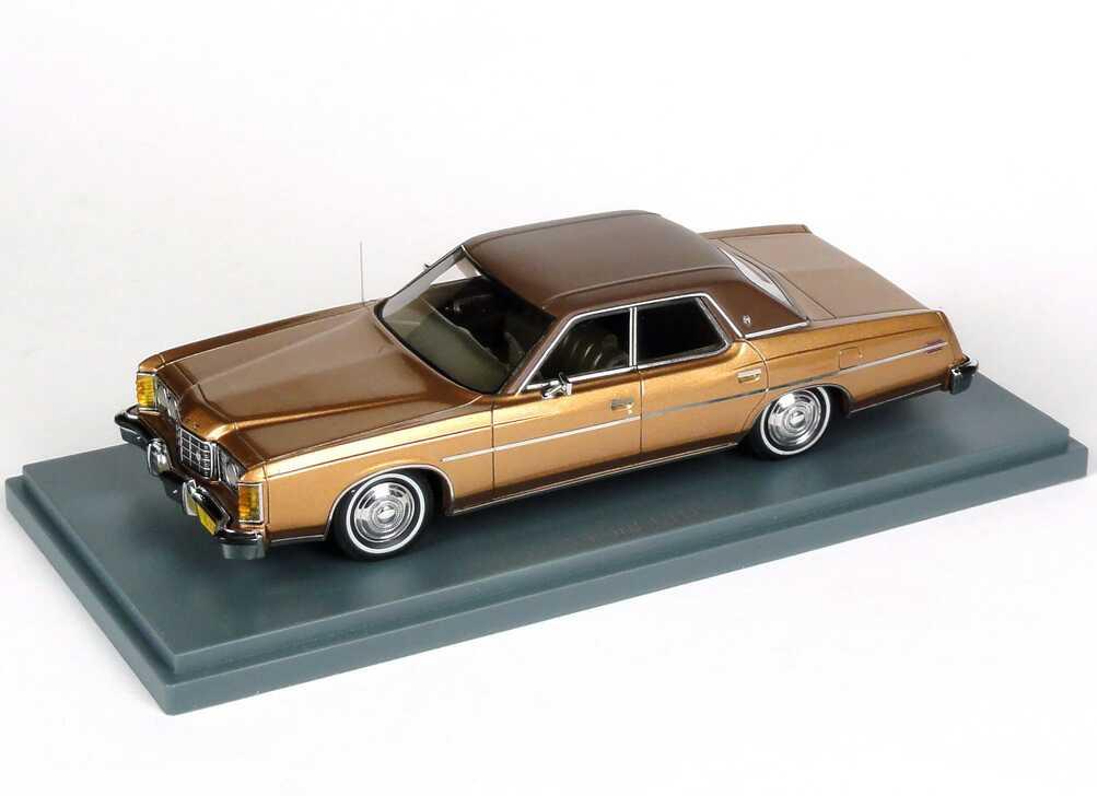 Foto 1:43 Ford LTD (1973) kupfergold-met. / braun NEO Scale Models 44235