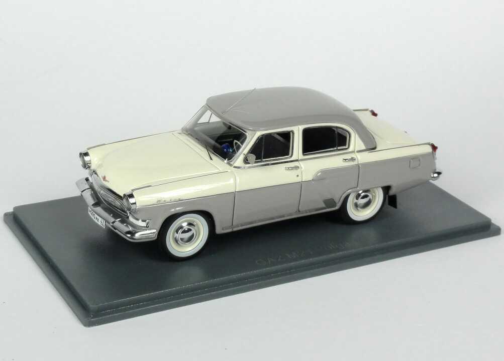Foto 1:43 GAZ M21 Volga (1970) creme-weiß/grau NEO Scale Models 44290