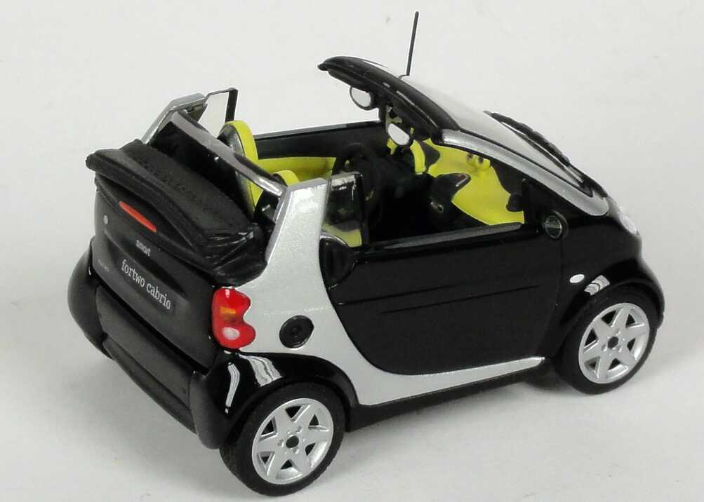 Foto 1:43 MCC Smart Cabrio jack-black/silber-met. + Bodypanels in lite-white Werbemodell Minichamps 0012497V001C51Q00