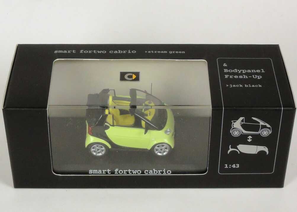 Foto 1:43 MCC Smart Cabrio stream-green/black + Bodypanels in jack-black Werbemodell Minichamps 0012412V001C49Q00