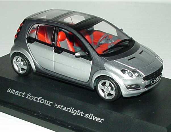Foto 1:43 MCC Smart Forfour starlight-silver-met. Werbemodell Schuco 0017730V001C05Q00