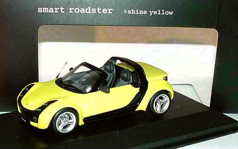 Foto 1:43 MCC Smart Roadster shine-yellow Werbemodell Minichamps C0014179V001C11Q00