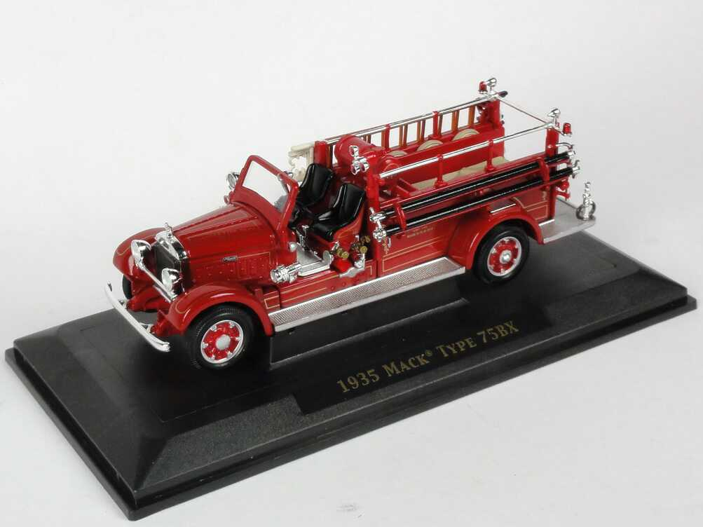 Foto 1:43 Mack Type 75BX (1935) Fire Engine Hanover Fire Dept. Yat Ming 43001