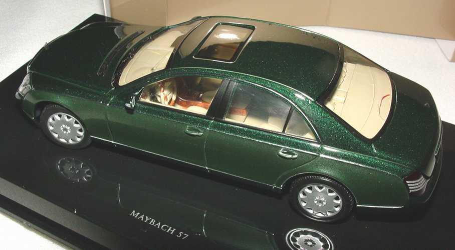 Foto 1:43 Maybach 57 dunkelgrünmet./grün-met. Werbemodell AUTOart B66961954
