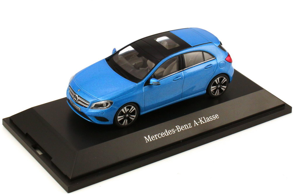 Foto 1:43 Mercedes-Benz A-Klasse 2012 (W176) südsee-blau-met. Werbemodell Schuco B66960123