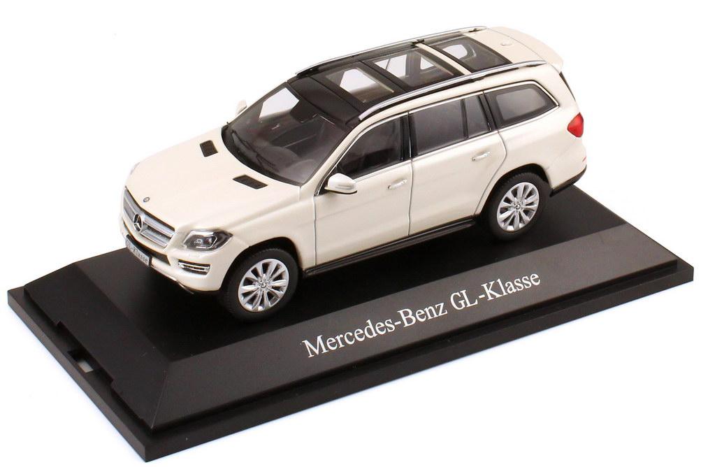 Foto 1:43 Mercedes-Benz GL-Klasse 2012 (X166) diamant-weiß-met. Werbemodell Norev B66960094