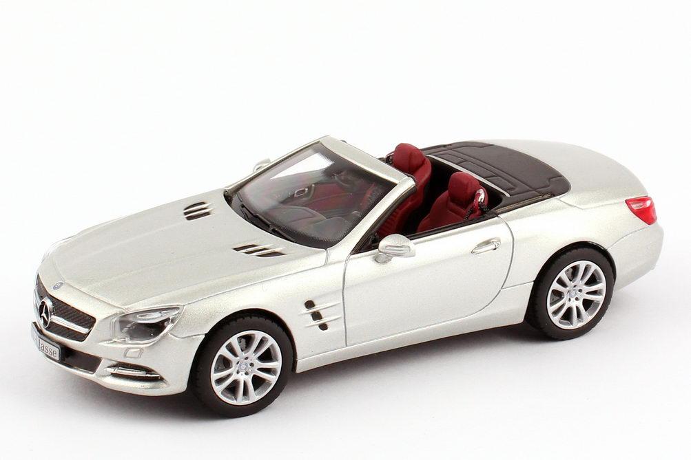 Foto 1:43 Mercedes-Benz SL-Klasse 2012 (R231) iridium-silber-met. Werbemodell Norev B66960103