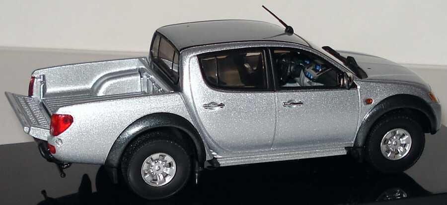 Foto 1:43 Mitsubishi L200 PickUp 2006 cool-silber-met. Werbemodell Vitesse MME50122