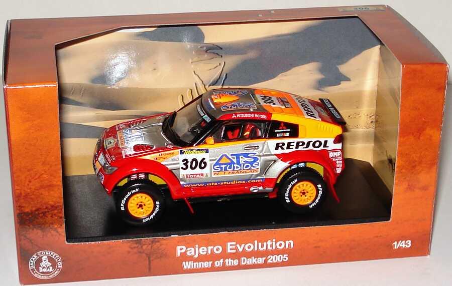 Foto 1:43 Mitsubishi Pajero Evolution Rallye Paris Dakar 2005 Repsol, ATS Studios Nr.306, Peterhansel/Cottret Werbemodell Siegerfahrzeug Norev MME50100