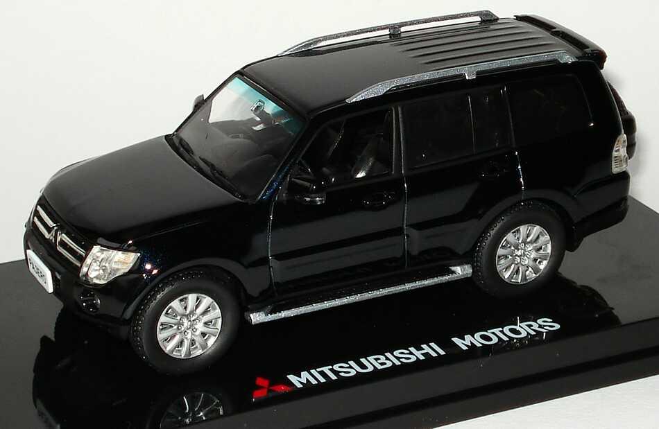 Foto 1:43 Mitsubishi Pajero IV mystic-schwarz Werbemodell Vitesse MME50139