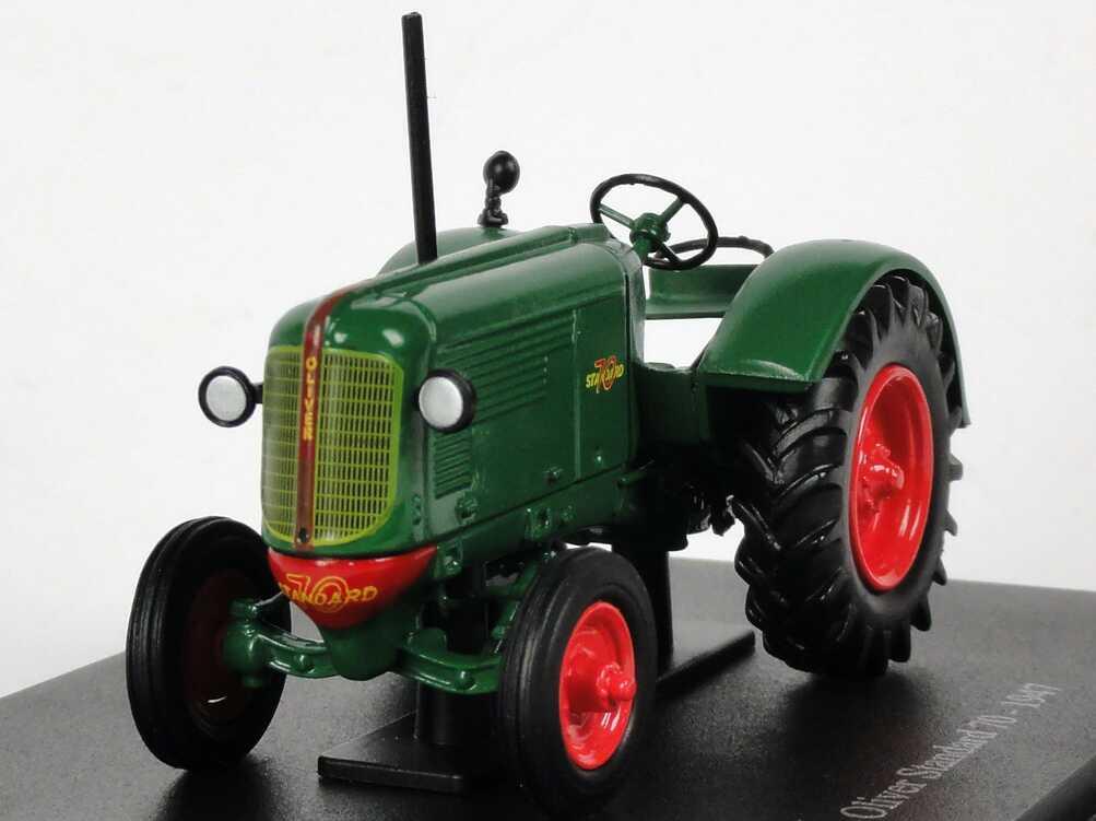 Foto 1:43 Oliver Standard 70 (1947) grün Universal Hobbies