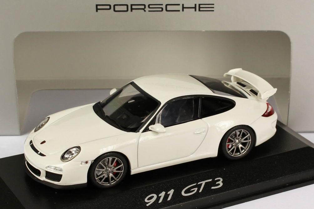 Foto 1:43 Porsche 911 GT3 (997, Modell 2010) carrera-weiß Werbemodell Minichamps WAP0202080C