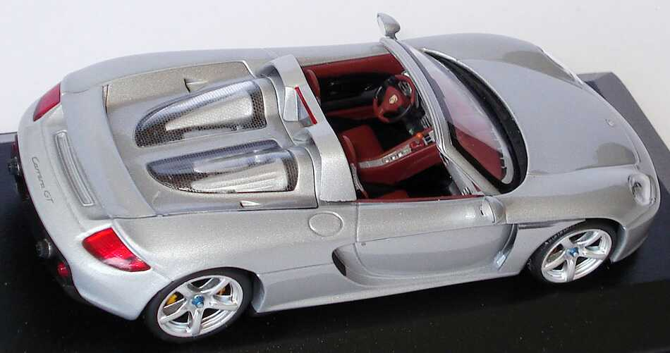 Foto 1:43 Porsche Carrera GT silber-met. Werbemodell Minichamps WAP02000016