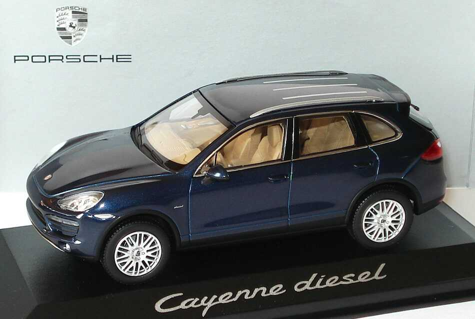 Foto 1:43 Porsche Cayenne Diesel 2010 92A dunkelblau-met. - Werbemodell - Minichamps WAP0200030B