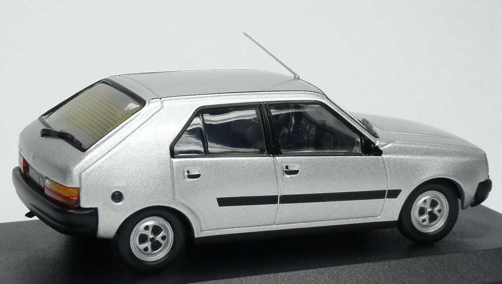 Foto 1:43 Renault 14 GTS silber-met. Ixo
