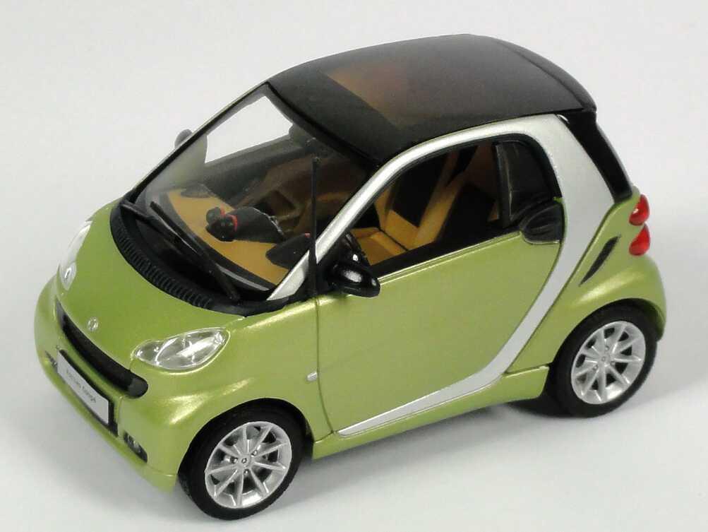 Foto 1:43 Smart Coupé (C451 MOPF) hellgrün matt Werbemodell Minichamps B66960052