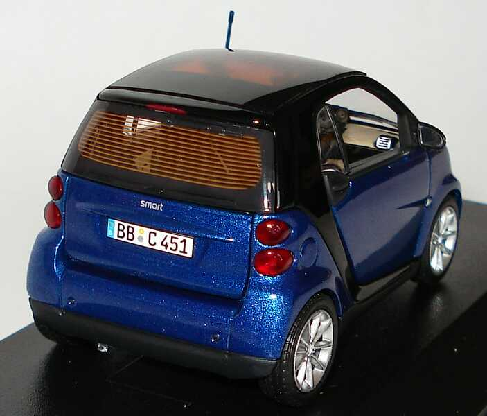 Foto 1:43 Smart Fortwo II Coupé C451 blau-met. Werbemodell Minichamps Q0022558V001C77Q00