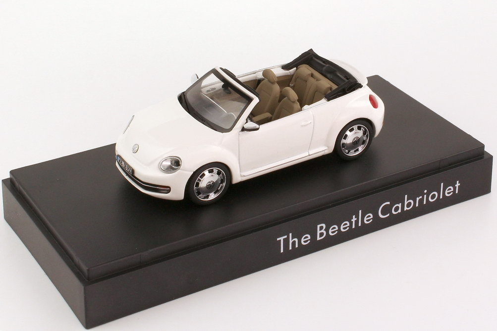 Foto 1:43 VW Beetle Cabrio (2013) candy-white Werbemodell Schuco 5C3099300B9A