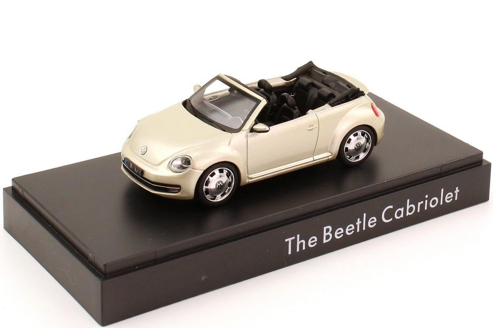 Foto 1:43 VW Beetle Cabrio (2013) moon-rock-silver-met. Werbemodell Schuco 5C3099300P7W