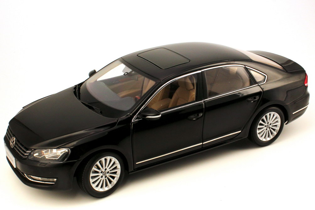 Foto 1:18 VW (Shanghai Volkswagen) Passat (B7) 2011 deep-black Paudi 2256BK