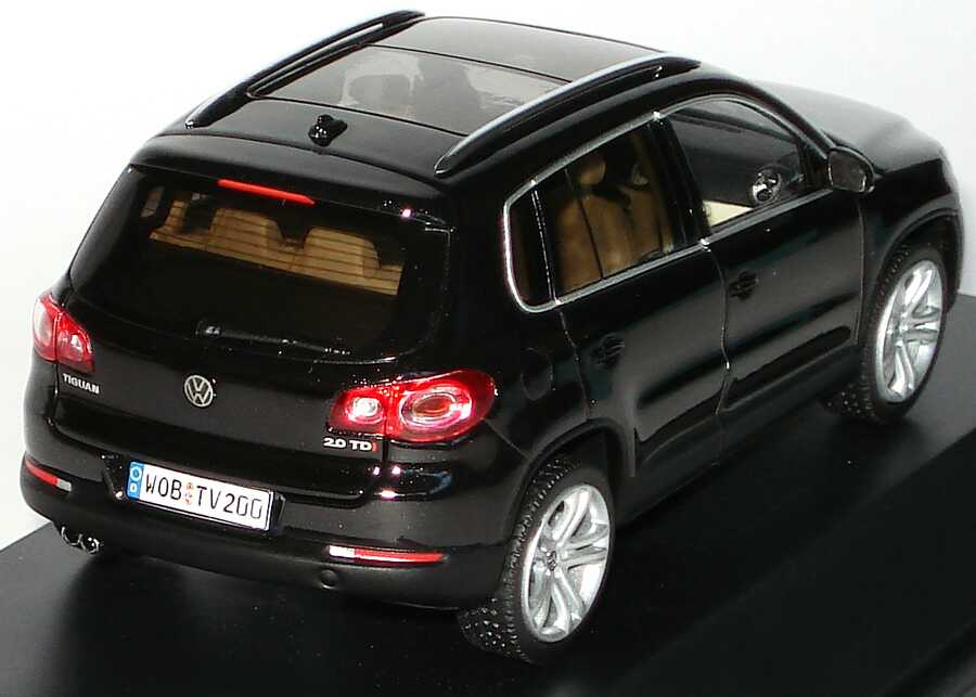 Foto 1:43 VW Tiguan deepblackperleffekt Werbemodell Schuco 5N0099300C9X