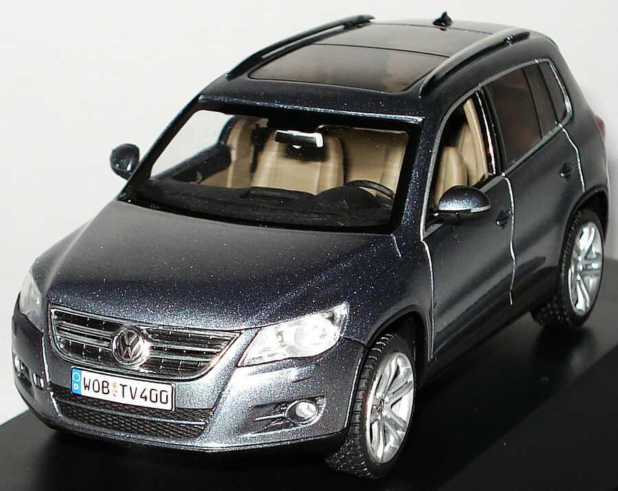 Foto 1:43 VW Tiguan mountaingrey-met. Werbemodell Schuco 5N0099300R7N