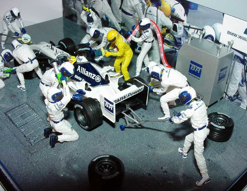 williams f1 bmw fw26 2004 boxenstop pitstop diorama. Black Bedroom Furniture Sets. Home Design Ideas