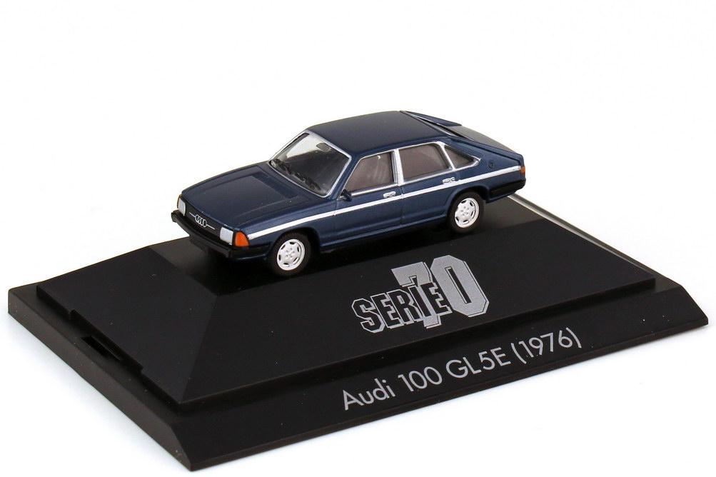 Foto 1:87 Audi 100 GL 5E Avant C2 dunkelblau-met. - Serie 70 - herpa 100670