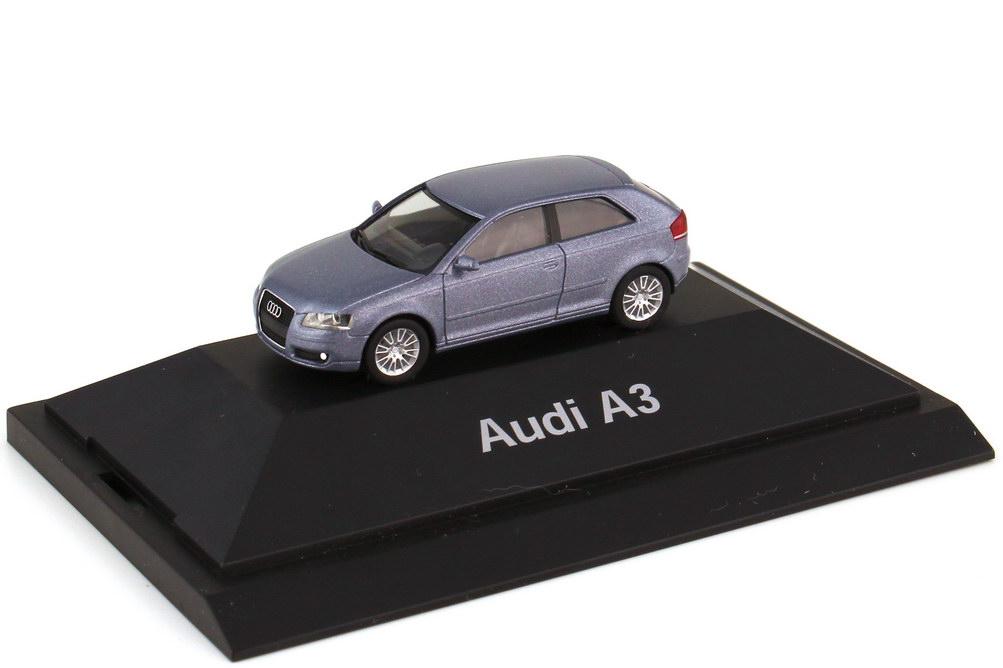 Foto 1:87 Audi A3 Typ 8P Facelift 2005 akoyasilber-met. - Werbemodell - herpa 5010503012