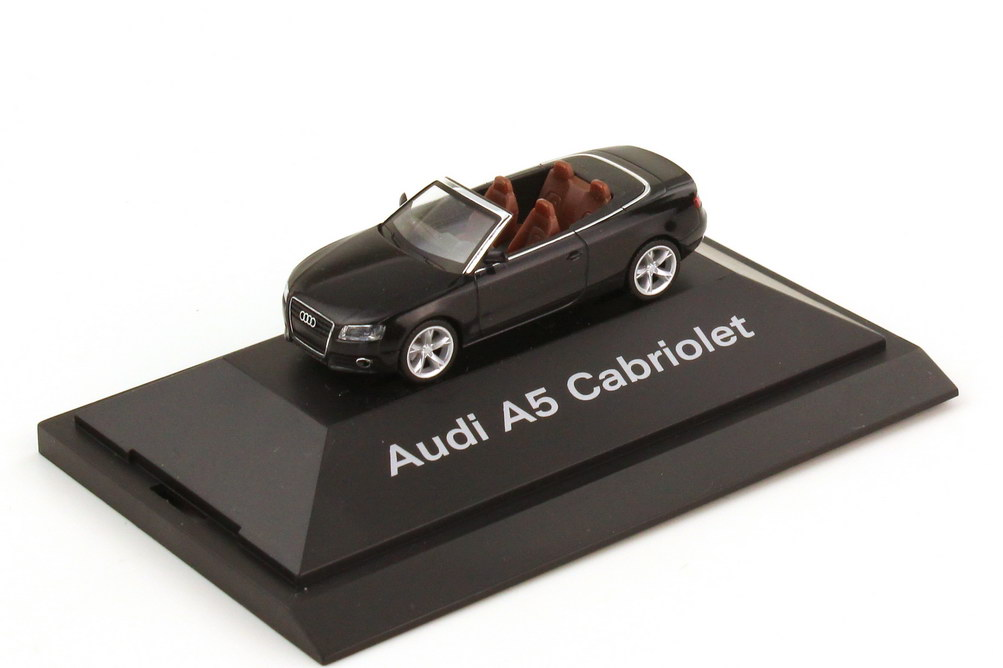 Foto 1:87 Audi A5 Cabriolet 8F phantomschwarz-met. - Werbemodell - herpa 5010805322