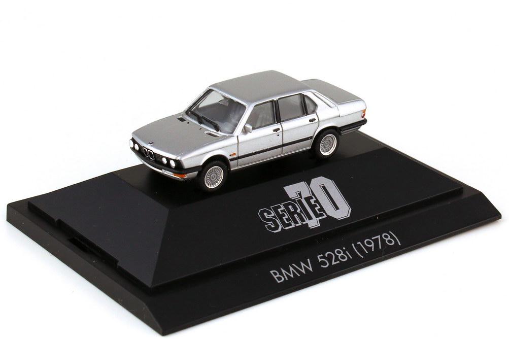Foto 1:87 BMW 5er 528i E28 silber-met. - Serie 70 - herpa 100694
