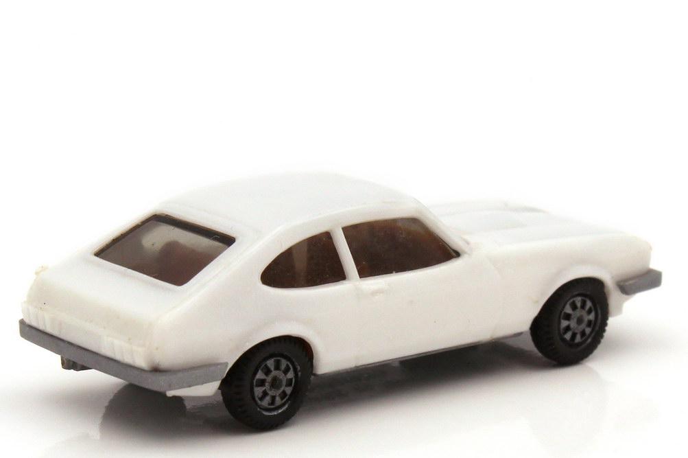 Foto 1:87 Ford Capri Mk III 3.0 Ghia weiß - Bodenplatte grau - herpa 2005