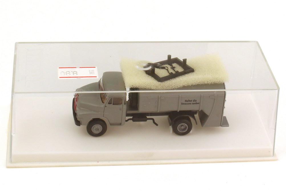 Foto 1:87 MAN 650 2a Müllwagen grau Haltet die Strassen sauber - Brekina 4505