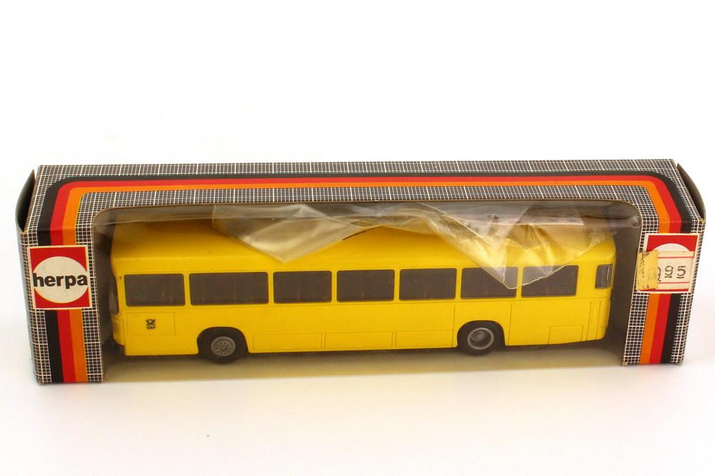 Foto 1:87 MAN SÜ 240 Postbus DBP - herpa 831471