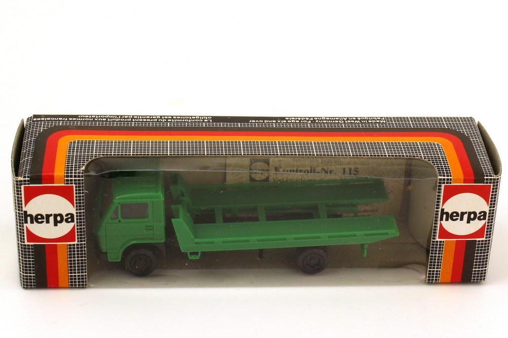 Foto 1:87 MAN-VW Abschlepp-LKW grün - herpa 817500