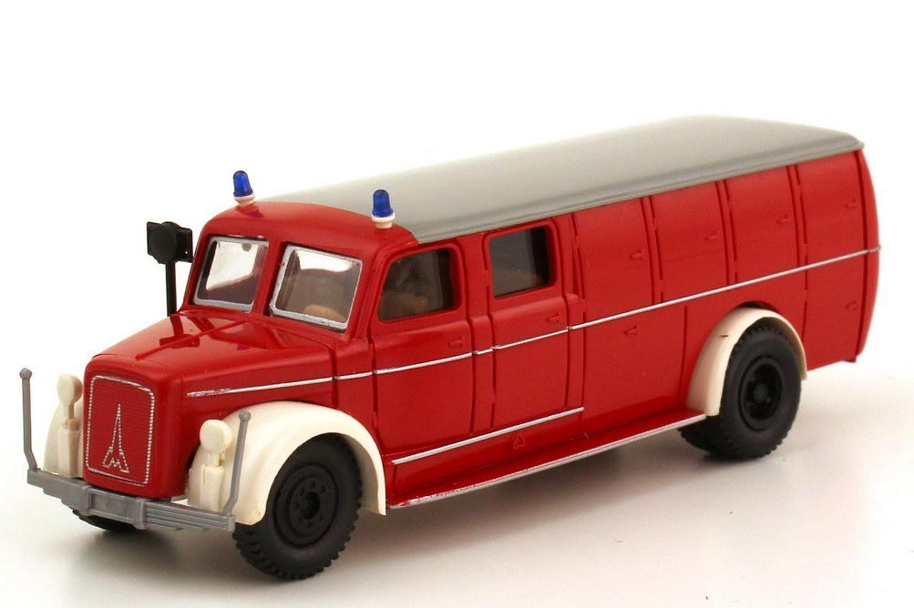 Foto 1:87 Magirus S 3500 TLF 10 50 Feuerwehr rot weiß - Brekina 4121