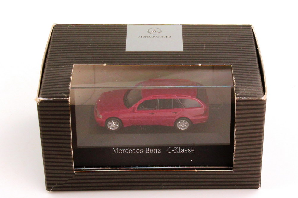 Foto 1:87 Mercedes-Benz C-Klasse T-Modell Facelift S202 MOPF spinellrot - Werbemodell - herpa B66005647
