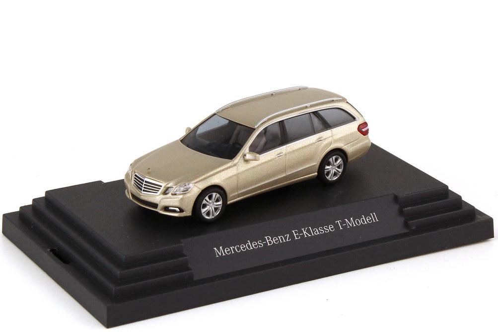 Foto 1:87 Mercedes-Benz E-Klasse T-Modell S212 Avantgarde perlbeige-met. - Werbemodell - Busch B66962443