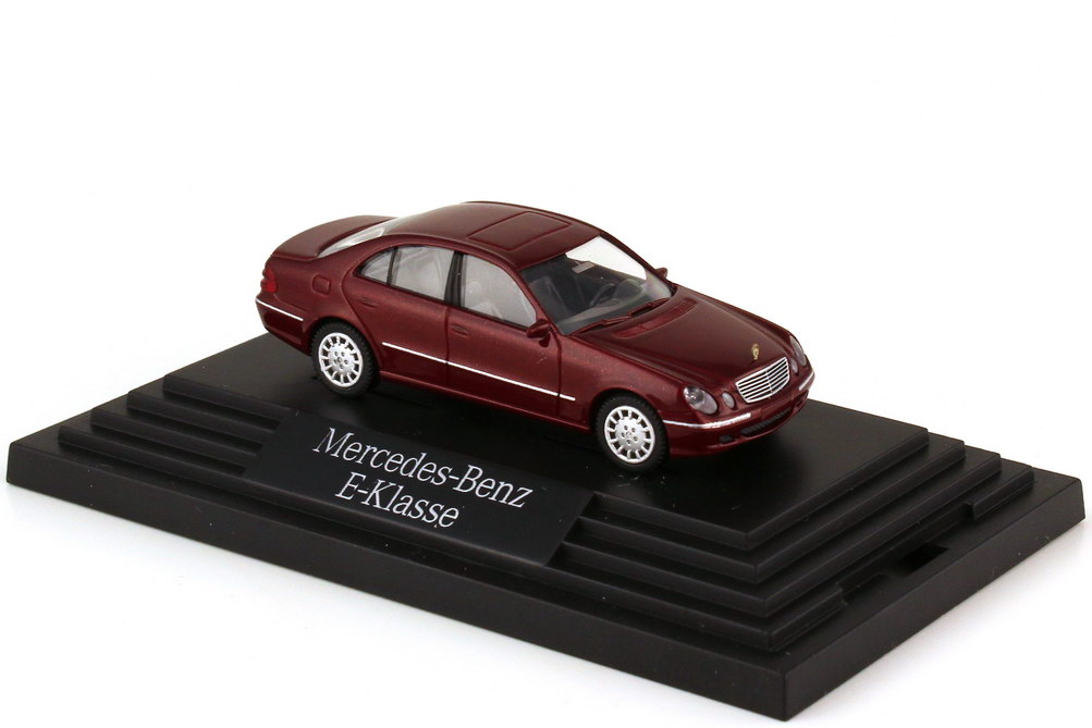 Foto 1:87 Mercedes-Benz E-Klasse W211 titanrot-met. - Werbemodell - Wiking B66961334